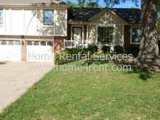 6621 Parkhill St, Shawnee, KS 66216