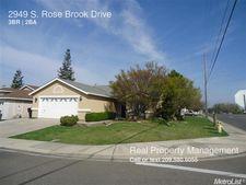2949 S Rose Brook Dr, Riverbank, CA 95367