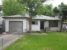 908 Beekman Ave, Medford, OR 97501