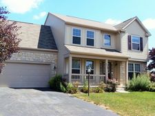 8932 White Oak Dr Nw, Canal Winchester, OH 43110