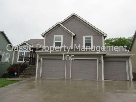 423 Killarney Ln, Smithville, MO 64089