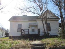 Gurnee Ave, Anniston, AL 36201