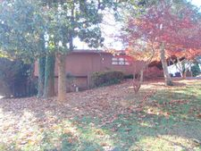 137 34th Ave Nw, Hickory, NC 28601