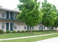 1204 Wesley Ave, Savoy, IL 61874