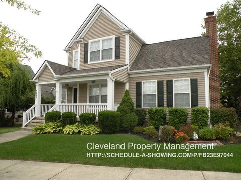 4461 Sexton Rd, Cleveland, OH 44105