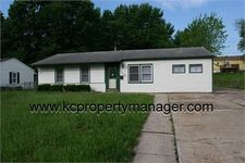 1112 N Indian Ln, Independence, MO 64056
