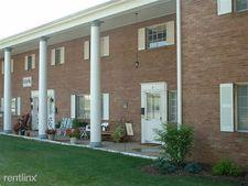 319 Johnet Dr Apt 9, Saint Clairsville, OH 43950