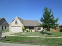 810 Rue Chateau Dupre Dr, Marion, AR 72364