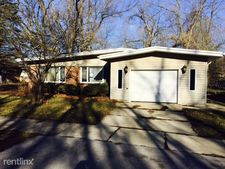 214 Monee Rd, Park Forest, IL 60466