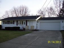 3851 Burkey Rd, Austintown, OH 44515
