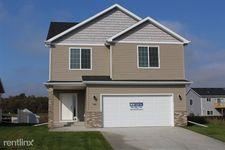 1329 Goldenwood Dr, West Fargo, ND 58078
