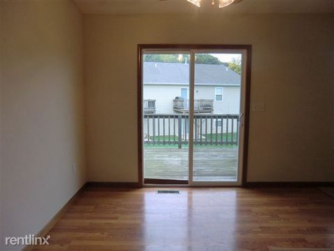 1123 Hampstead Ct, Collinsville, IL 62234