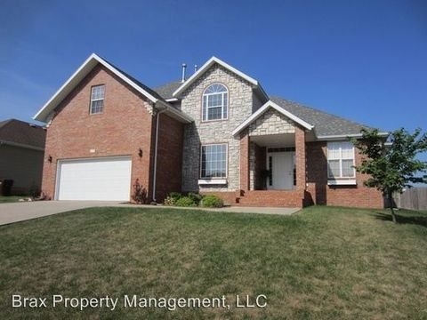 4879 S Tanager Ave, Battlefield, MO 65619