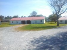 Chris Dr, Mayfield, KY 42066