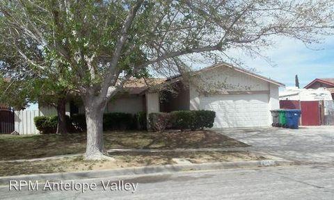 1117 Dianron Rd, Palmdale, CA 93551