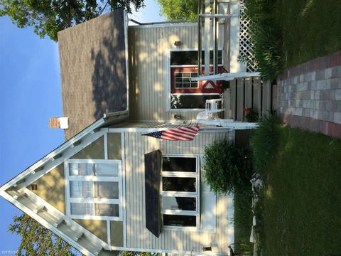 300 S 5th St, Escanaba, MI 49829