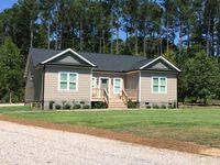 124 Ridgeshore Dr, Macon, NC 27551