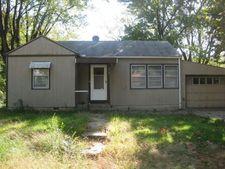 915 Ne 44th St, North Kansas City, MO 64116
