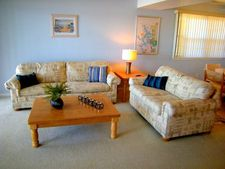 100 Harbour Towne Dr, Lake Ozark, MO 65049
