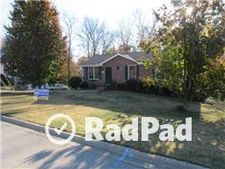 1233 Cottonwood Dr, Clarksville, IN 47129