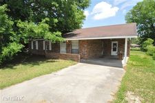 817 S Beech St, Picayune, MS 39466