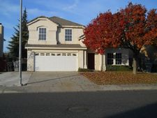 2413 Country Manor Dr, River Bank, CA 95367