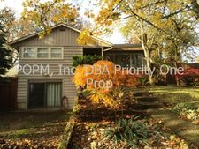 680 E Exeter St, Gladstone, OR 97027