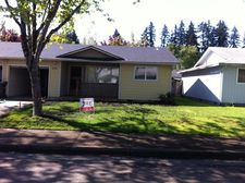 549 S 49th Pl, Springfield, OR 97478