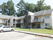 700 S Walker St Unit 6, Burgaw, NC 28425