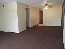 12427 E 43rd St Apt 5, Independence, MO 64055