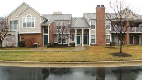 5477 Pine Aires Dr, Sterling Heights, MI 48314