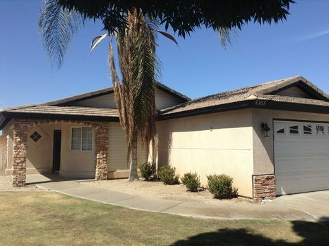 5305 Pine Grove Ct, Bakersfield, CA 93313
