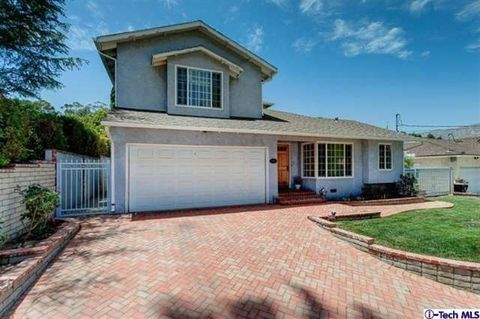 10307 Newhome Ave, Sunland, CA 91040