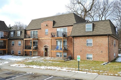 5018 Lemans Dr, Indianapolis, IN 46205