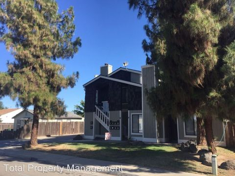 230 E Bush St, Lemoore, CA 93245