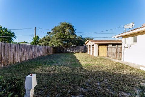 2805 Westland Rd, Mount Dora, FL 32757