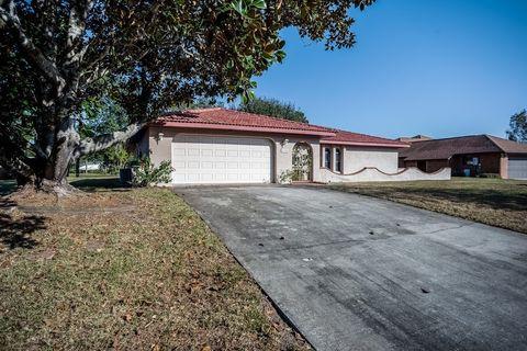 4758 Longbow Dr, Titusville, FL 32796