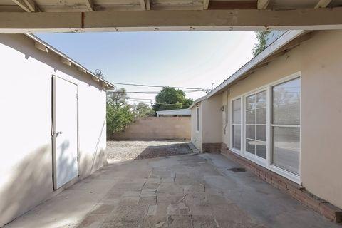 19461 Vanowen St, Reseda, CA 91335