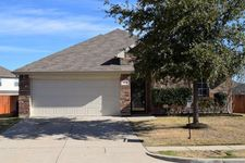 1112 Sweetwater Dr, Burleson, TX 76028