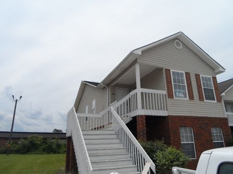 212 Magnolia Plantation Ct, Hinesville, GA 31313