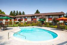400 Santa Alicia Dr, Rohnert Park, CA 94928