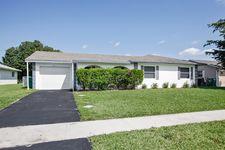 8631 NW 50th St, Lauderhill, FL 33351