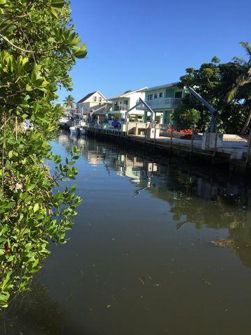 728 Grouper Ln, Key Largo, FL 33037