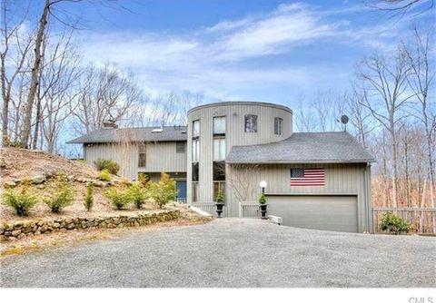 104 Birch Hill Rd, Weston, CT 06883