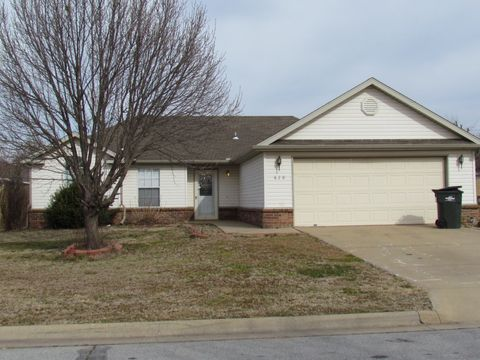 620 Knight Ave, Lowell, AR 72745