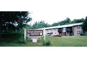 502 Drake St, Jonesville, MI 49250