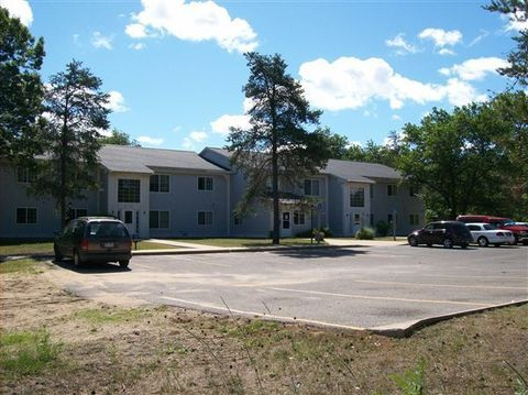 5365 S Straits Hwy, Indian River, MI 49749