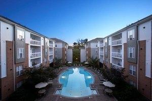 12565 Summit Manor Dr, Fairfax, VA 22033