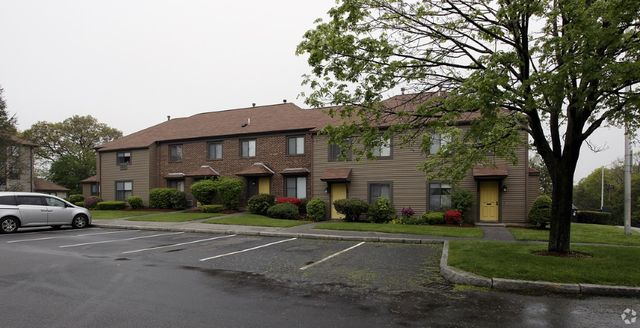 Apartment for rent at 40 county st unit 1 peabody ma for 100 vantage terrace swampscott ma