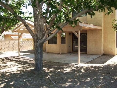 43301 32nd St W, Lancaster, CA 93536